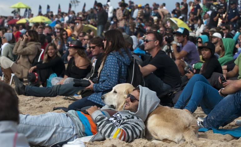 mundial-de-surf-em-peniche-so-devera-comecar-na-sexta-feira-2288
