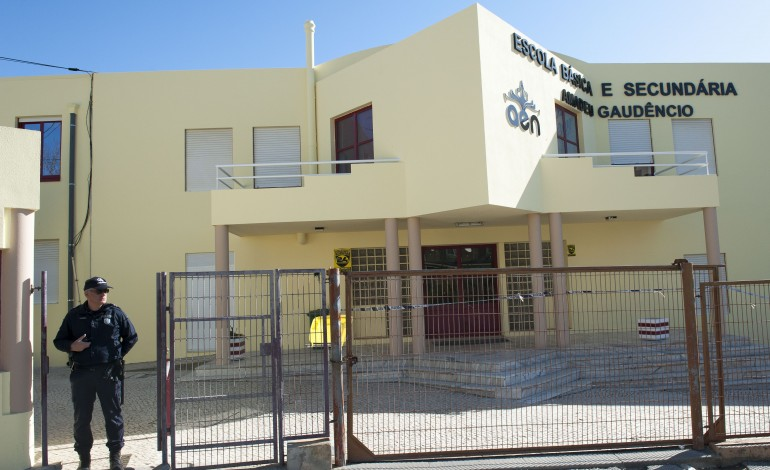 homicidio-na-escola-assusta-estudantes-da-nazare-8060