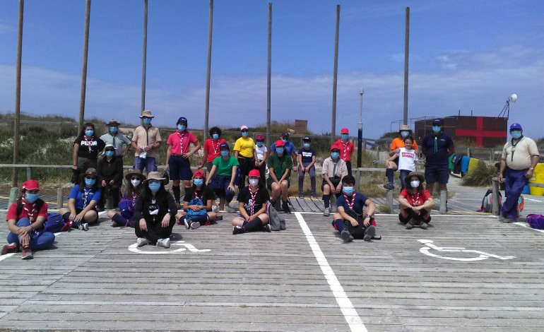 voluntarios-recolheram-232-toneladas-de-lixo-na-praia-do-osso-da-baleia