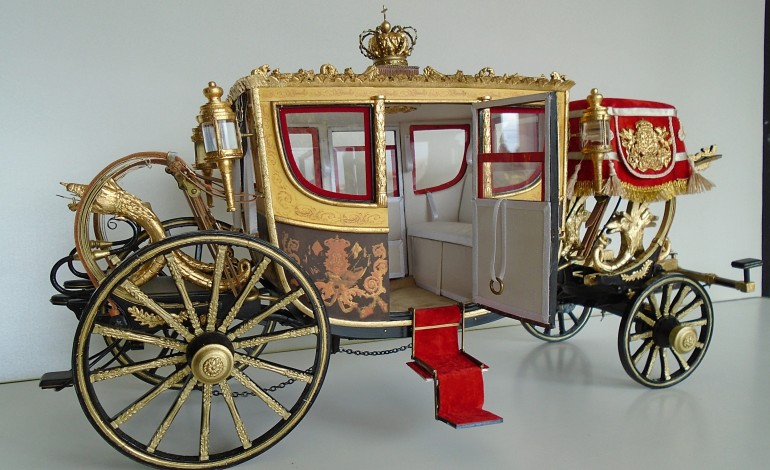 museu-marques-de-pombal-exibe-miniaturas-de-coches-inspirados-nos-do-museu-dos-coches