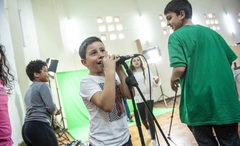 criancas-e-artistas-juntos-para-transformar-a-quinta-do-alcada-9926
