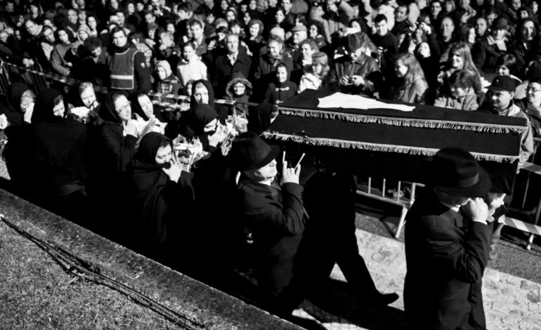 soutocico-enterra-o-fiel-amigo-3555
