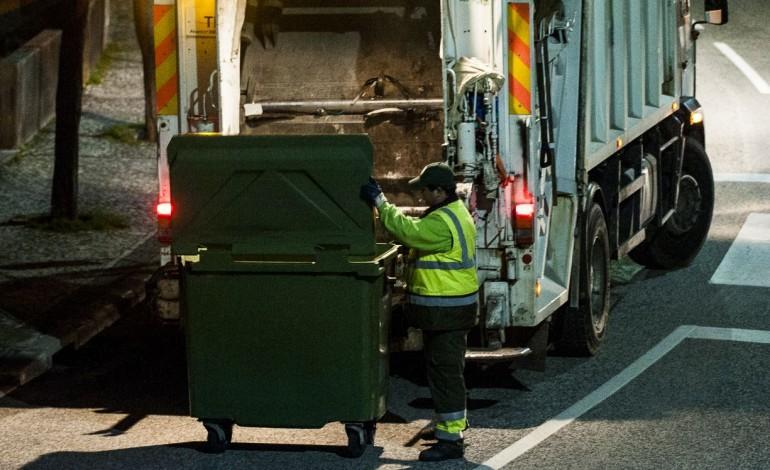 tribunal-administrativo-anula-concurso-para-recolha-de-lixo-em-leiria-8405