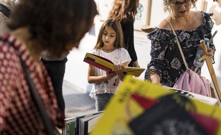 hotel-literario-ganha-20-mil-livros-9309