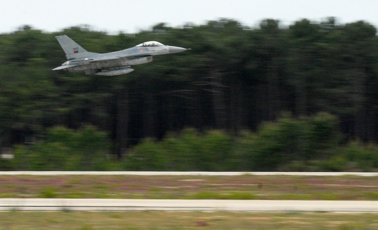 ministro-da-defesa-diz-ser-prematuro-partilhar-bases-militares-com-avioes-civis-8564