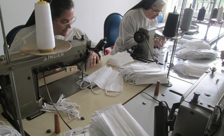 freiras-de-monte-real-fazem-mascaras-para-instituicoes-sociais