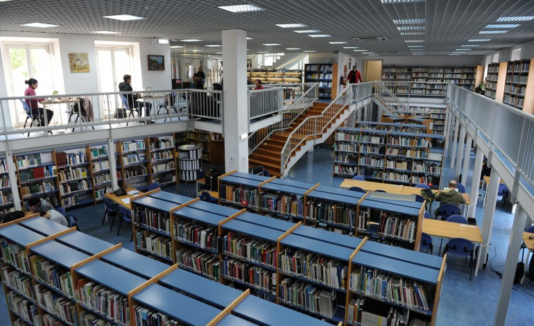 biblioteca-municipal-afonso-lopes-vieira-abre-ao-publico-de-forma-faseada