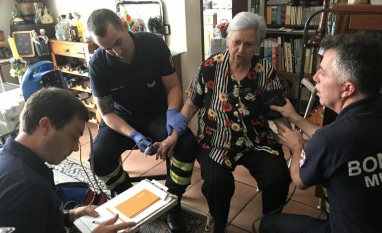 bombeiros-levam-na-mala-ajuda-e-boa-disposicao-aos-idosos-6621