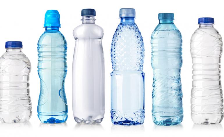 chega-a-leiria-a-maquina-que-da-dinheiro-a-quem-reciclar-garrafas-de-plastico