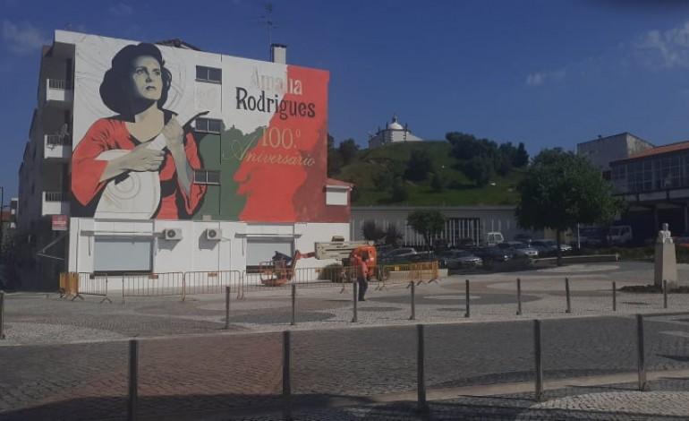 porto-de-mos-ganha-mural-de-homenagem-a-amalia-por-iniciativa-de-emigrante