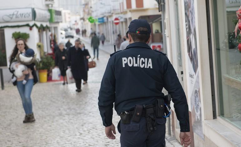 policias-negam-ter-odio-a-minorias-etnicas-e-sentem-se-acarinhados-pelos-cidadaos