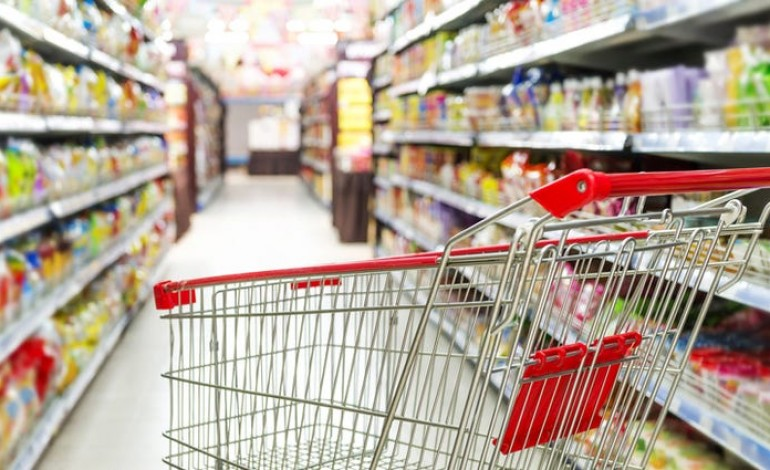 obidos-apoia-familias-carenciadas-com-compras-nos-supermercados-do-concelho