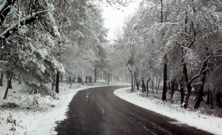 castanheira-de-pera-reabre-estradas-que-estavam-fechadas-devido-a-neve