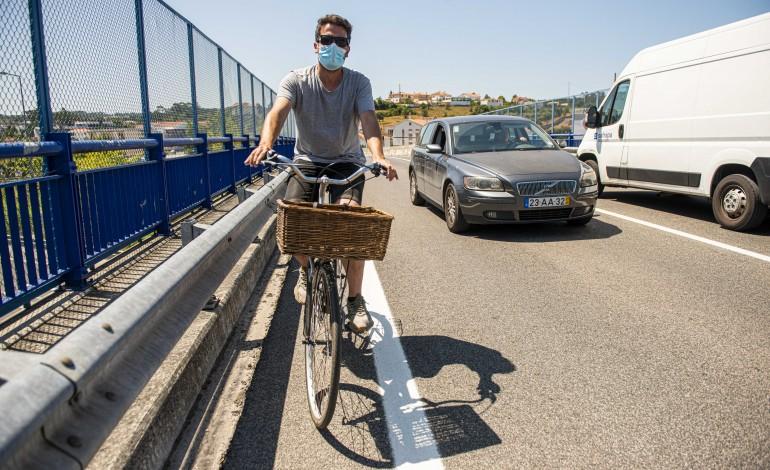 os-perigos-que-os-ciclistas-enfrentam-para-chegar-ao-centro-da-cidade