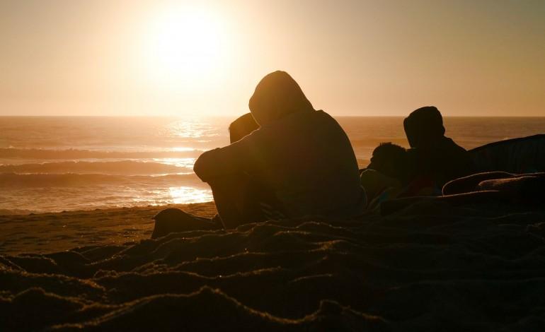 comunidade-surfista-da-nazare-pede-para-voltar-ao-mar