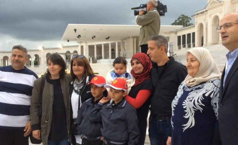 refugiados-acolhidos-na-batalha-sonham-com-reencontro-com-o-papa-6460