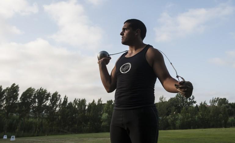 Miguel Carreira foi uma das vítimas de um erro federativo que o impediu de competir na prova de lançamento de martelo, no Europeu de juniores - Foto: Ricardo Graça