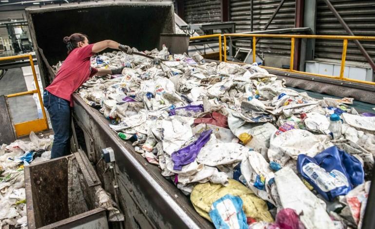 sensibilizar-incentivar-e-penalizar-para-melhorar-recolha-de-residuos-10736