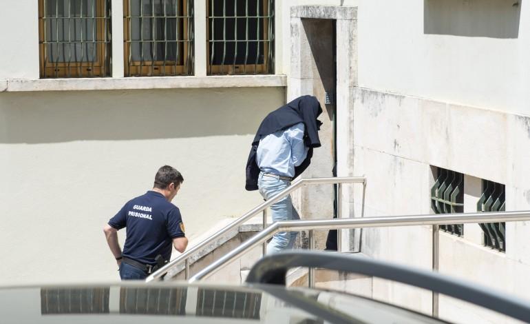 tribunal-de-leiria-condena-dupla-que-burlou-dezenas-de-pessoas-com-casas-de-ferias-10270