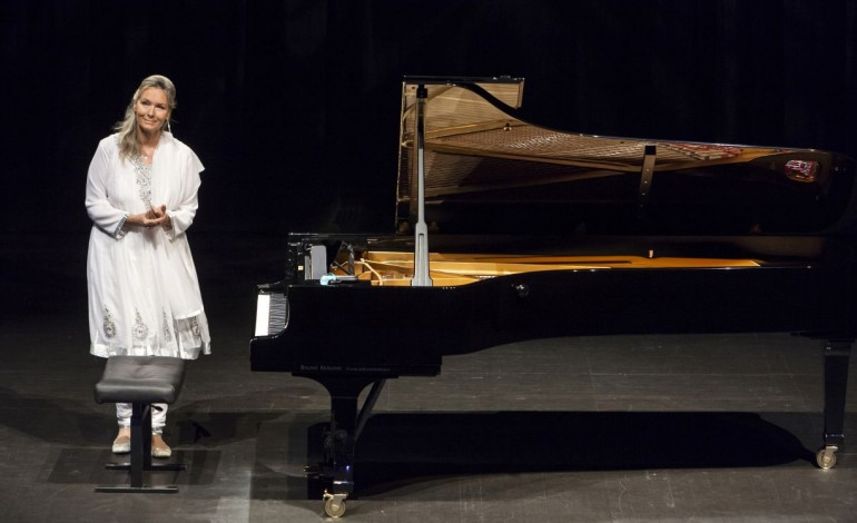 pianista-de-bocelli-da-concerto-na-prisao-com-video-8556