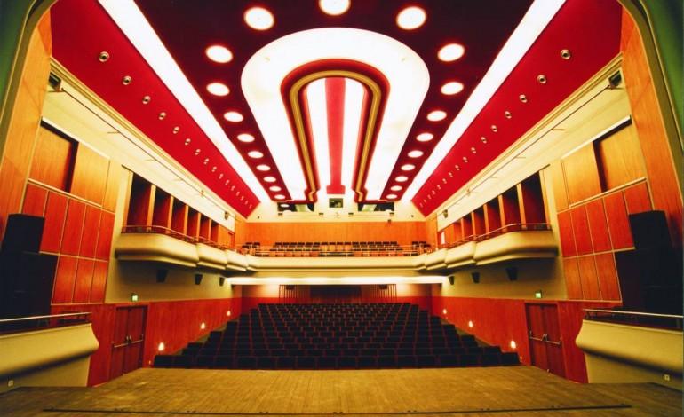 cine-teatro-um-marco-da-arquitectura-korrodi-na-cultura-de-alcobaca