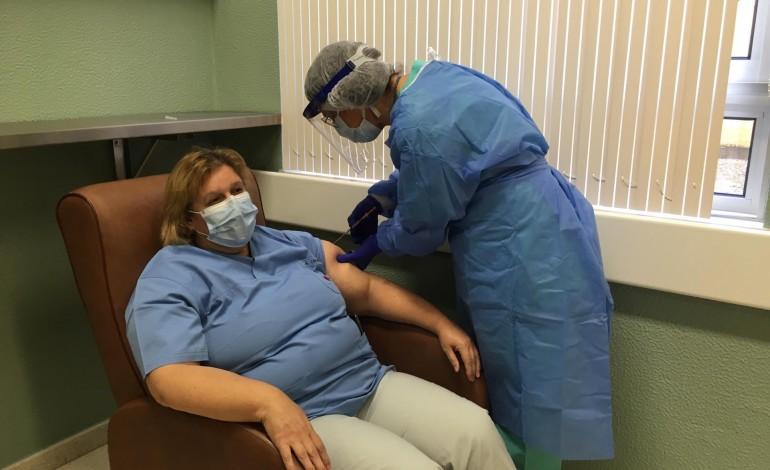 hospital-de-leiria-iniciou-a-vacinacao-contra-a-covid-19