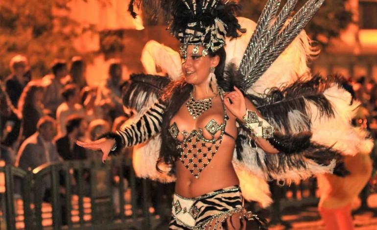 carnaval-de-verao-e-festa-silenciosa-na-praia-do-pedrogao-6977
