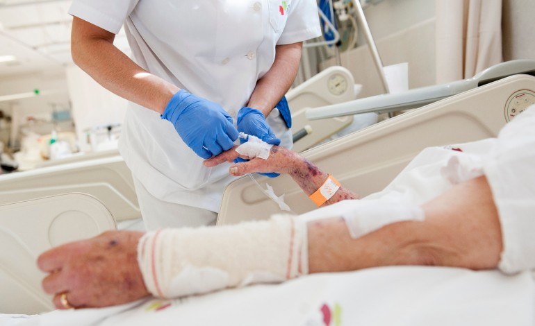 centro-hospitalar-de-leiria-poe-doentes-e-familiares-a-falarem-a-distancia