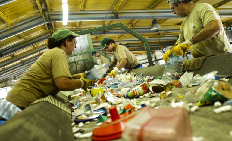 ersar-trava-aumento-de-tarifa-do-lixo-proposto-pela-valorlis-9132