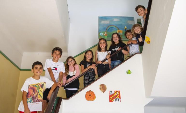 Os alunos da EB1 de Santa Catarina da Serra defenderam painéis solares e mini torres eólicas em todas as escolas do concelho.Na Barosa, os jovens defendem uma praia fluvial no Jardim da Almuinha