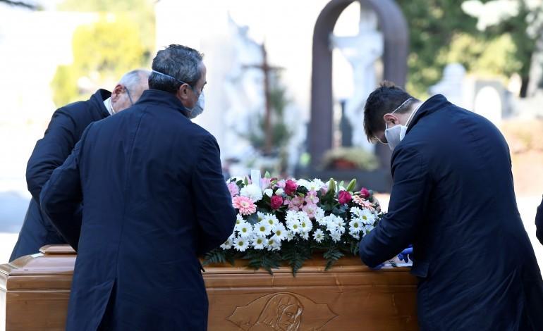 ourem-e-peniche-limitam-funerais-a-dez-pessoas