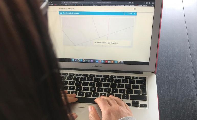 camara-de-ourem-cede-computadores-a-alunos-carenciados