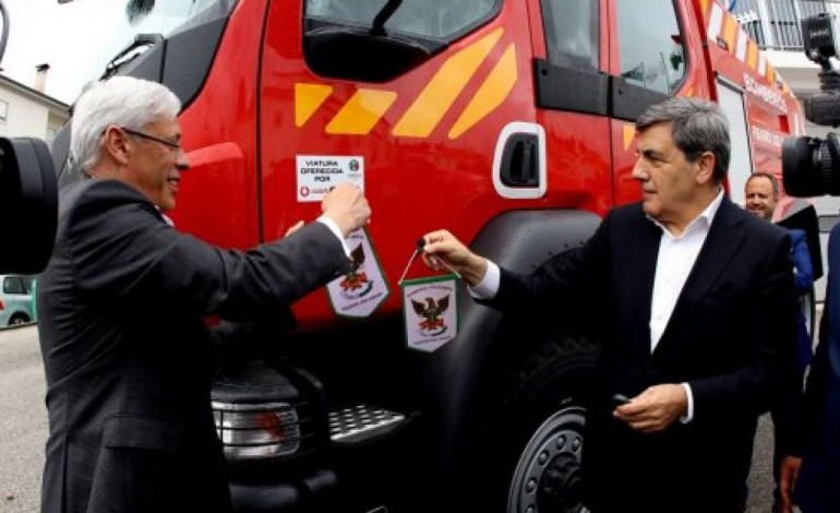 futebol-paga-nova-viatura-dos-bombeiros-de-figueiro-dos-vinhos-8781