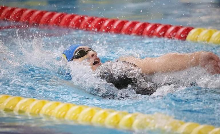 maria-amado-conquista-duas-medalhas-de-prata-no-campeonato-nacional-de-piscina-curta