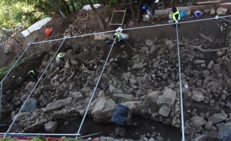 obras-no-castelo-de-leiria-revelam-vestigios-de-muralha-com-3000-anos