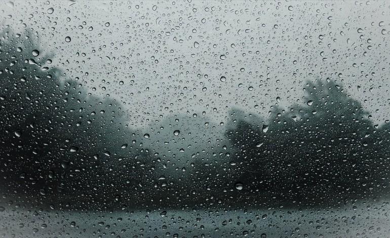 chuva-forte-ate-sabado-e-depois-regressa-o-tempo-seco-e-frio