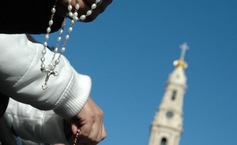 bispo-de-leiria-repudia-venda-de-vouchers-de-natal-para-pagamento-de-promessas-em-fatima-5624
