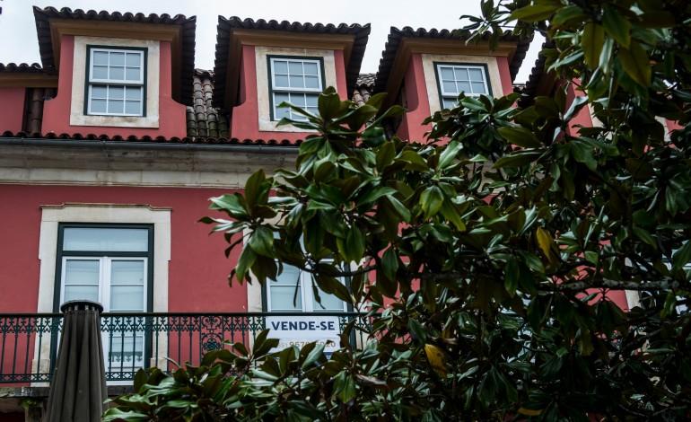 imobiliario-procura-parada-e-clientes-a-desistir-de-negocios