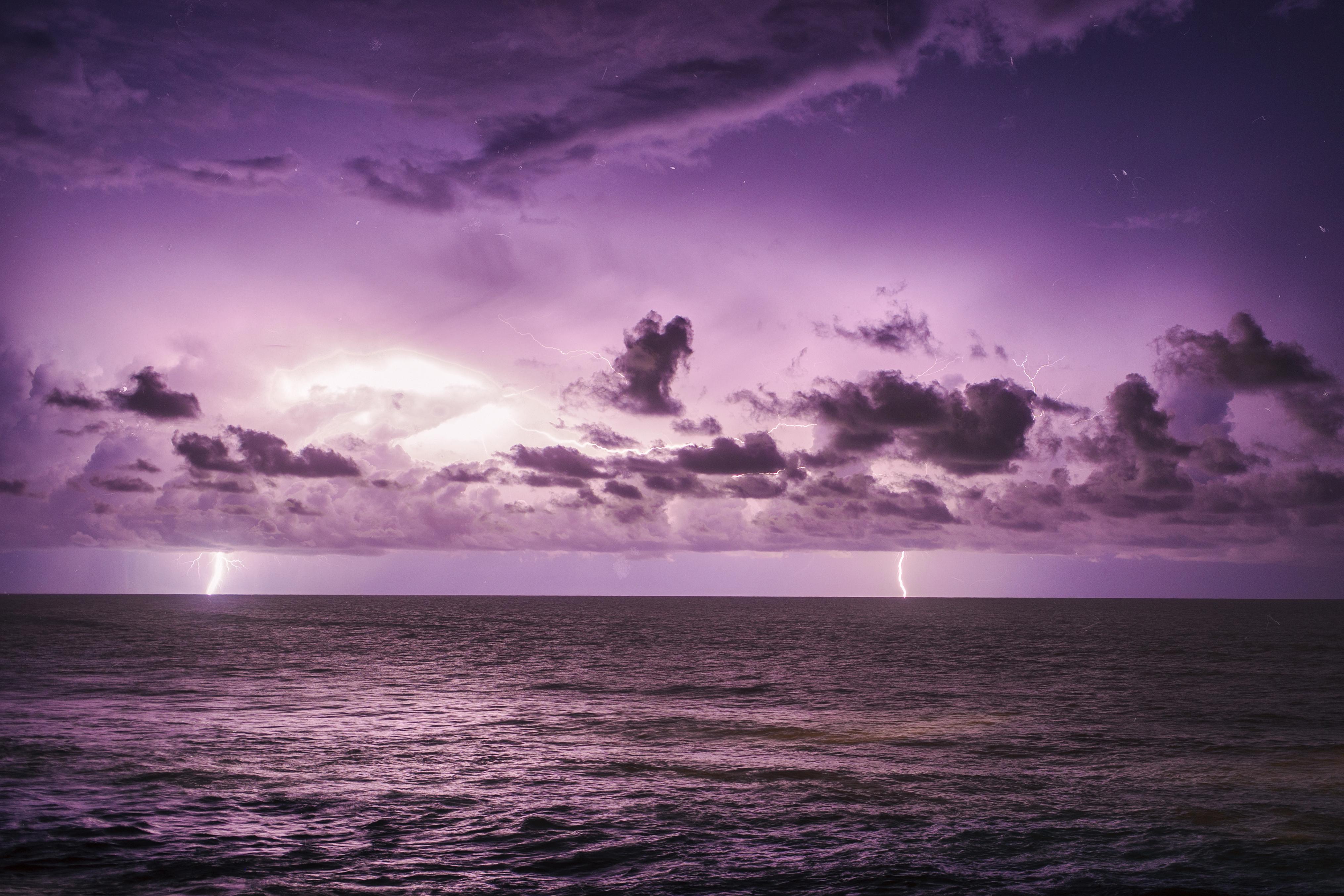 Imagens raras de uma natureza sempre indómita na praia do Pedrógão. @Kevin André Pereira Flores