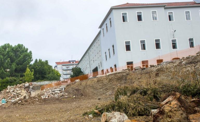 franciscanos-vendem-terreno-atras-da-igreja-para-construcao-9371