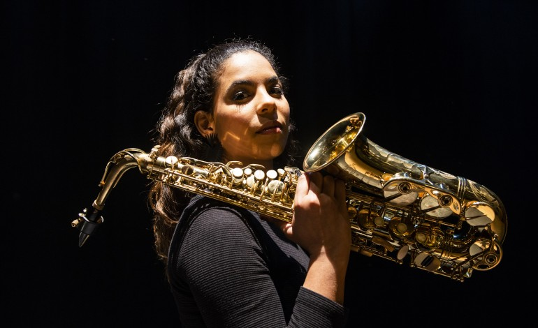 diana-catarino-saxofonista-reinvencao-e-uma-palavra-que-me-assenta-como-uma-luva