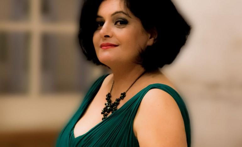 luisa-oliveiracantora-a-primeira-mulher-a-cantar-com-a-orquestra-do-exercito-fui-eu-5957