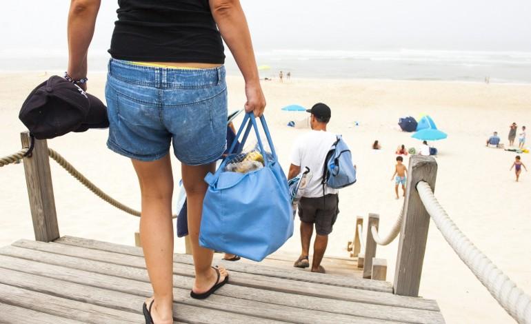 ainda-ha-familias-com-amor-incondicional-pelas-praias-da-regiao-9095