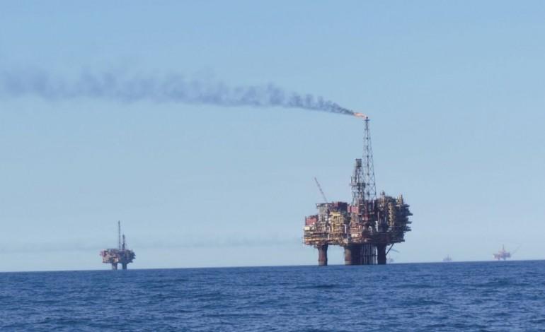 petroleo-termina-2016-com-forte-recuperacao-apos-acordo-para-reduzir-a-producao-5668