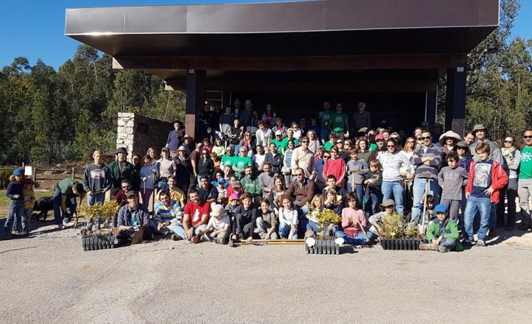 Voluntários (Fotografia: Amigos Ferraria de São João)