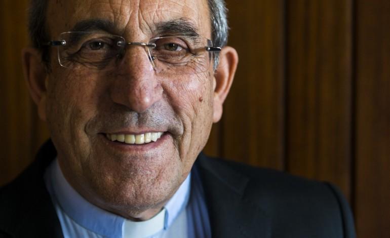 cardeal-antonio-marto-pede-regresso-as-igrejas-com-as-devidas-cautelas