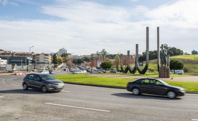 via-bus-mais-330-estacionamentos-e-novas-rotundas-em-porto-moniz