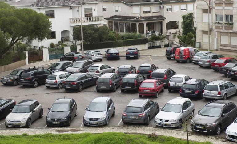 capuchos-bairro-ou-parque-de-estacionamento-2348