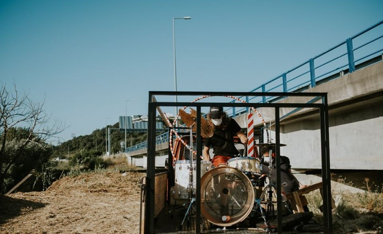 O baterista Pedro Marques a participar na Campanha Inaugural o colectivo Til
