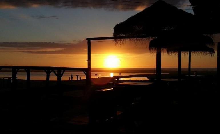 old-beach-mudou-o-por-do-sol-ha-18-anos-4559